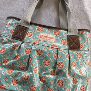 Cath Kidston floral coated cotton handbag 👛👛